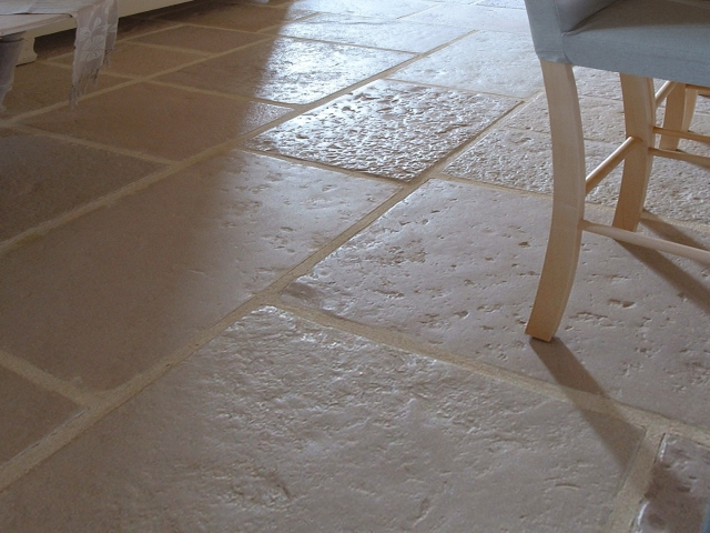 Carrelage pierre de bourgogne for Carrelage interieur pierre